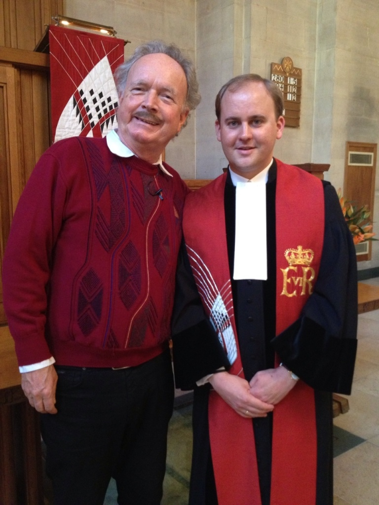 Bezoek van Ds. Gremdaat (Paul Haenen) aan de Nederlandse Kerk.